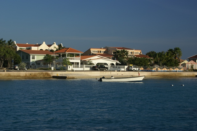 Aurora_b's Web Diary - Bonaire - Guilders and all that, and