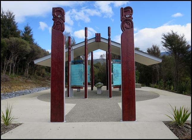 4bded5d72 Beez Neez - Te Waikoropūpū Springs