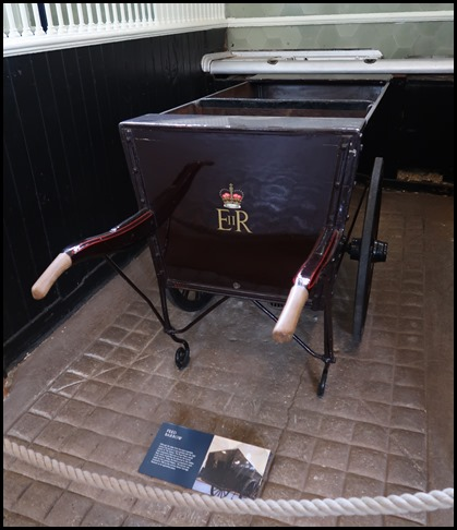 a8f5e04147a Feed Barrow: Although this dates from the early twentieth century the  barrow is now painted with the 'EIIR' cypher of The Queen. The Royal Mews  would have ...