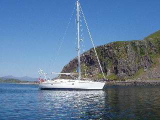 Nano at anchor in the sound at Easdale